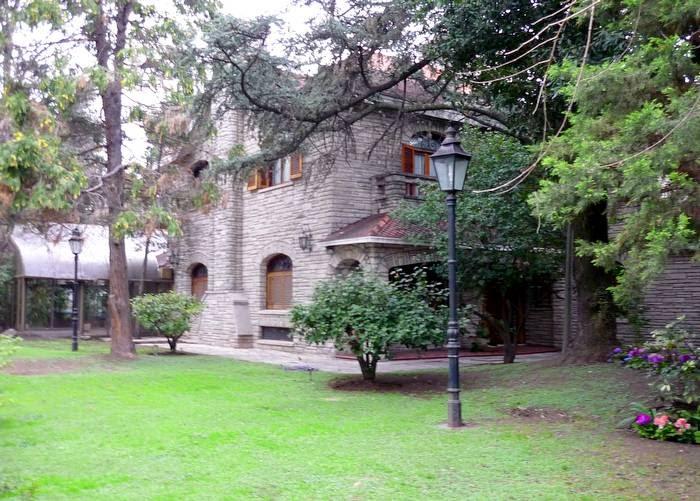Casas de madera - Chalet de madera y piedra ...