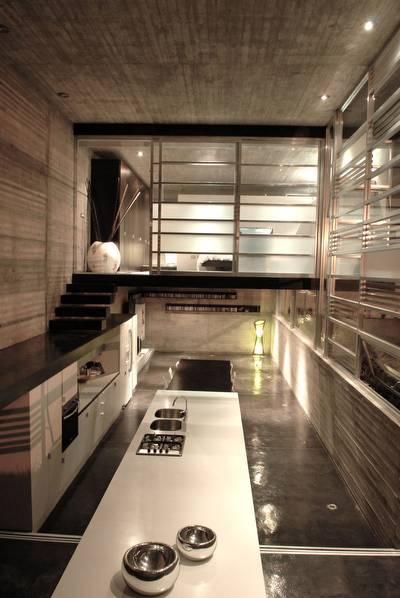 Casa de concreto, metal y vidrio en México