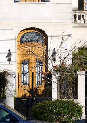 Puerta de acceso Art Nouveau