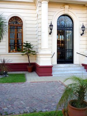 Puerta del acceso principal