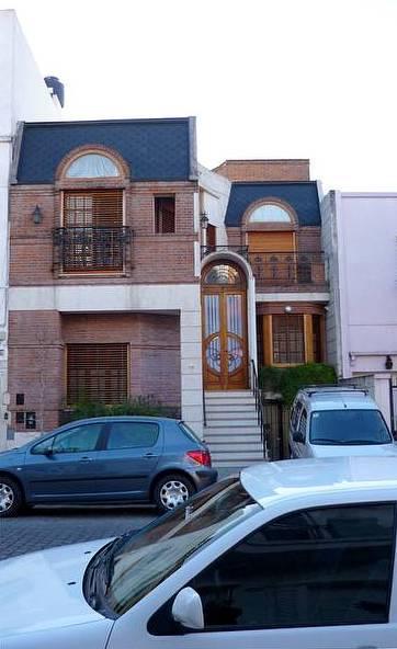 Casa posmoderna inspirada en el Art Nouveau