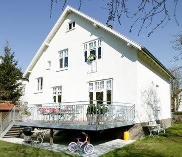 Arquitectura de casas casa con todo pintado de blanco for Casa escandinava