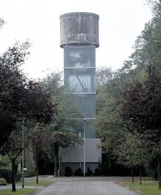 Depósito de agua reciclado