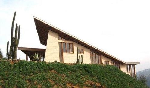 Casa Altavista en Chile, cabaña de madera vanguardista