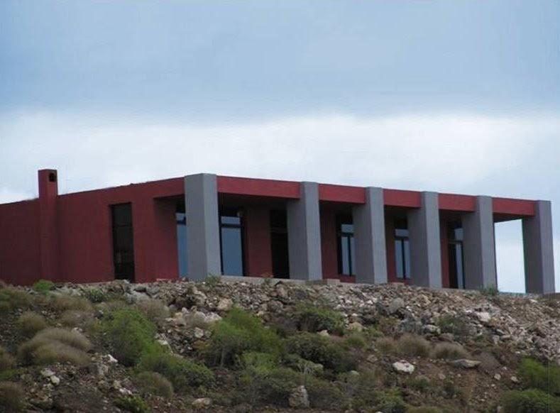 Arquitectura de casas casa de campo austera minimalista - Casas minimalistas en espana ...