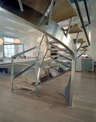 Escalera espiral moderna