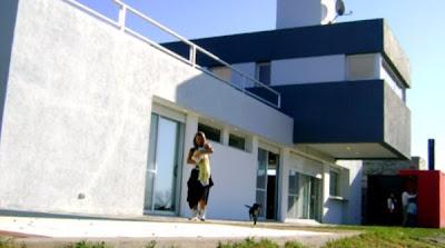 Perspectiva de la fachada norte de la residencia