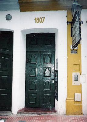 Puerta Colonial español de madera