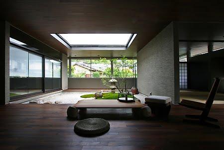 Vista del amplio ambiente interior en la planta principal