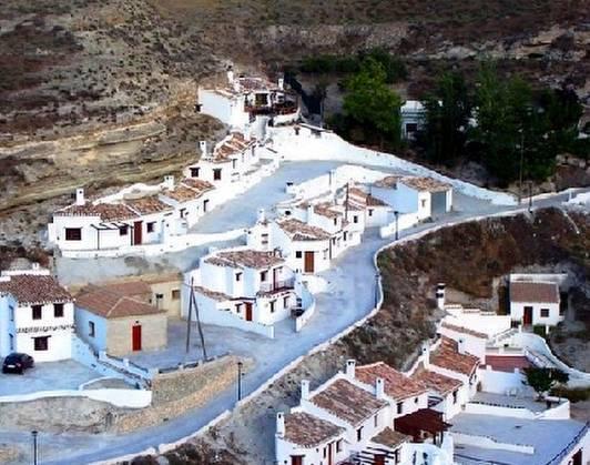 Arquitectura de casas casas cueva tradicionales y nuevas - Casas ecologicas en espana ...