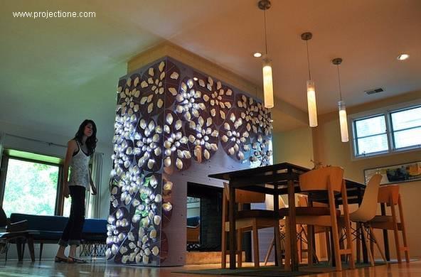 Chimenea contemporánea de doble ventana con adorno de LEDs