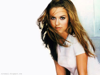 alicia Silverstone Lovely Wallpaper