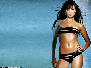 Holly Valance Bikini Wallpaper