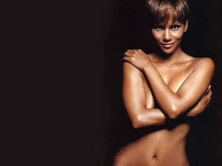 Celebrity Wallpapers With Image Halle Berry Bikini Wallpapers Picture 10