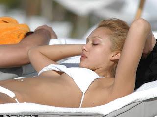Unseen Jessica Alba Bikini Pics White Bikini<br />