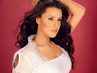 Bollywood Hot Girl Neha Dhupia Wallpaper