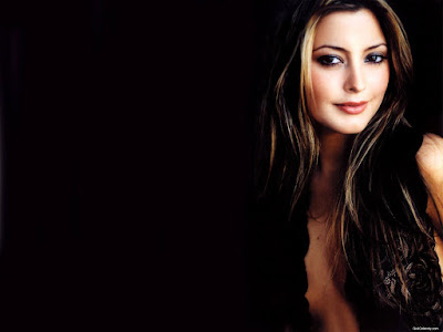 Sexy Model Holly Valance Hot Wallpaper