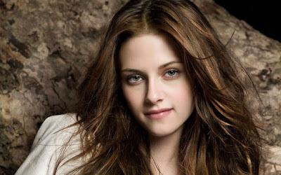 Kristen Stewart Lovely Wallpaper