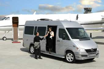 Car fever mercedes benz sprinter luxury van for tycoon for Mercedes benz sprinter luxury van price