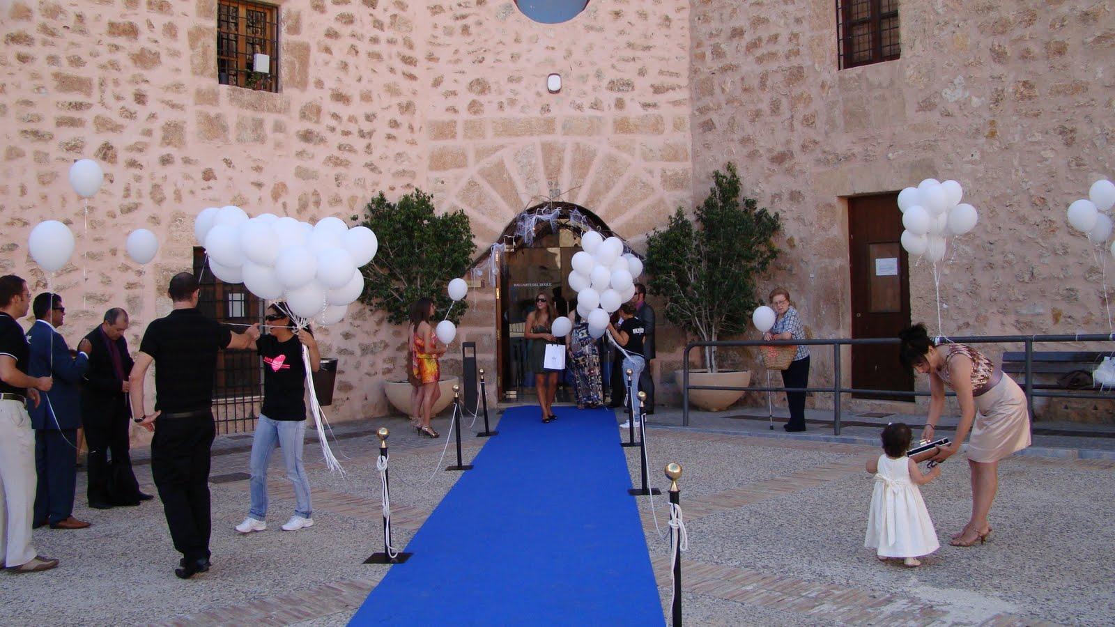 La suelta de globos la podemos hacer a la salida de la ceremonia o al final de un cóctel realizado al aire libre; una sorpresa sin duda para los invitados\u2026