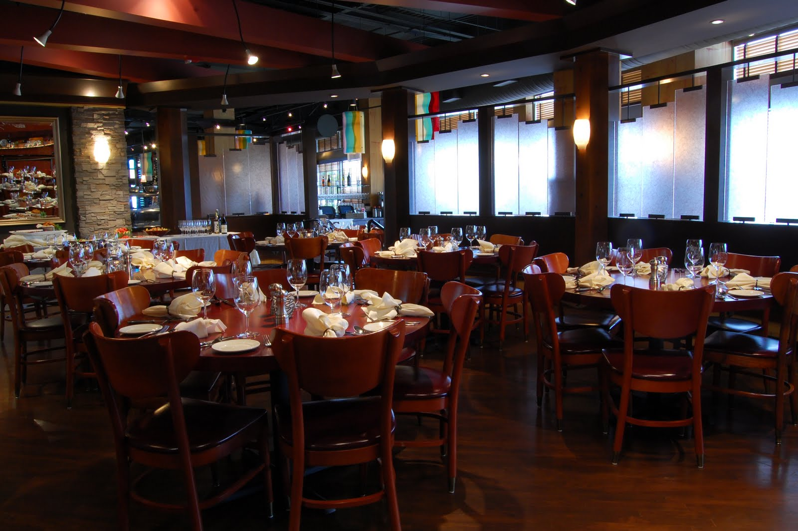 Schwartz brothers restaurants december 2010 for Best private dining rooms seattle