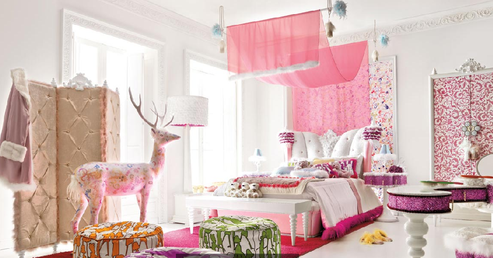 Girls christmas chic bedroom design dazzle for Chic teenage girl bedroom ideas