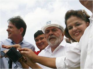 http://3.bp.blogspot.com/_nIhHylcueUs/SdC8Vf9LN2I/AAAAAAAAYiU/3-Iy31I5mtM/s320/Lula+e+Dilma.jpg