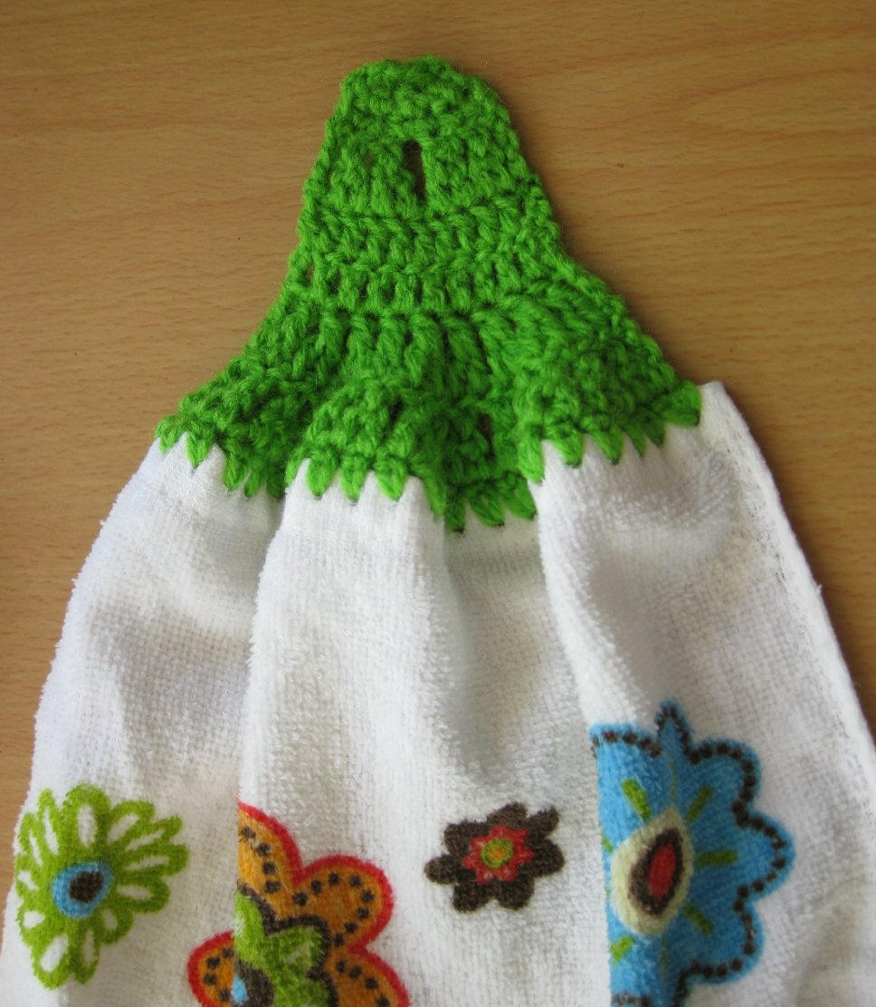 Crochet Kitchen Towel : ... : Free pattern and stitch tutorial - No-sew Crocheted Towel Topper