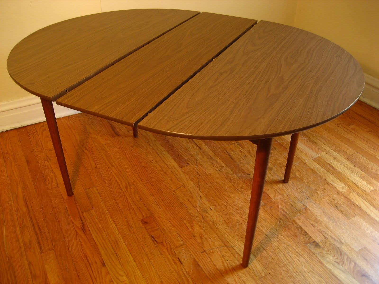 Formica dining tables for Table formica