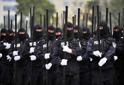 policias follados videos