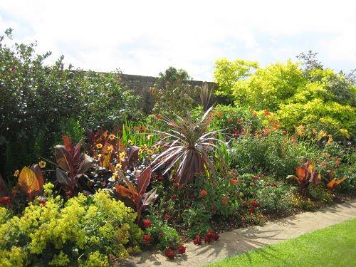 %5bBourton+House+Garden+ganz.042.jpg%5d
