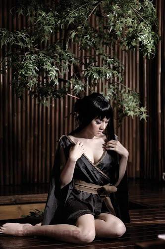 Gambar hot Sexy Vicky Shu on Popular celebrity photoshoot for magazine Pic