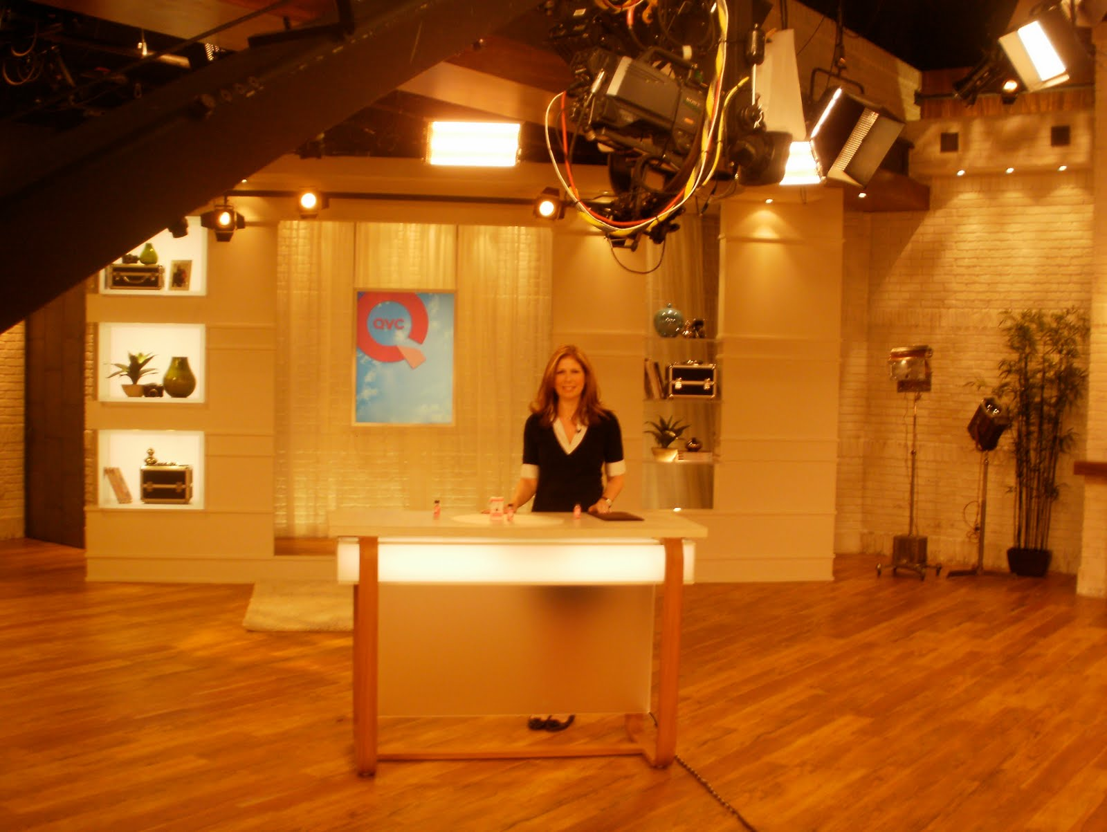 QVC Model Joy http://dakshcrafts.com/home/qvc-model-joy