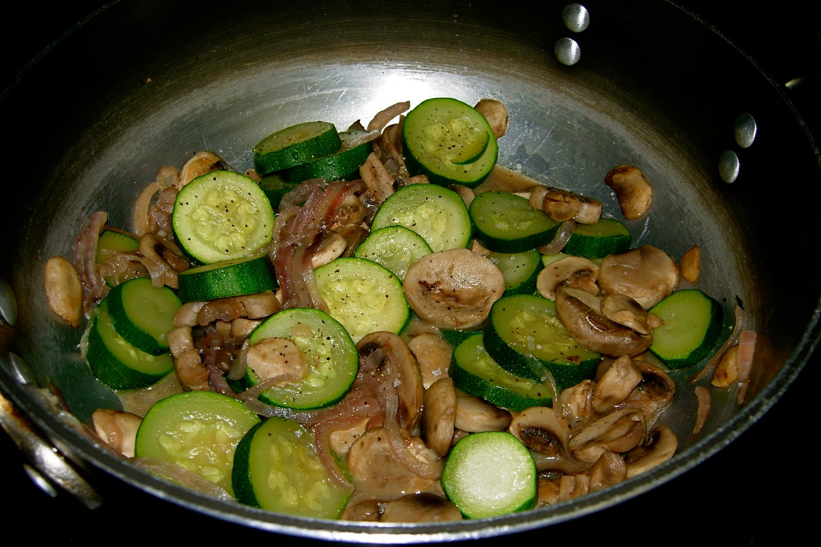 How to cook mushrooms with zucchini 38