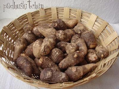 Arbi-Colocasia-seppankizhangu-Taro root