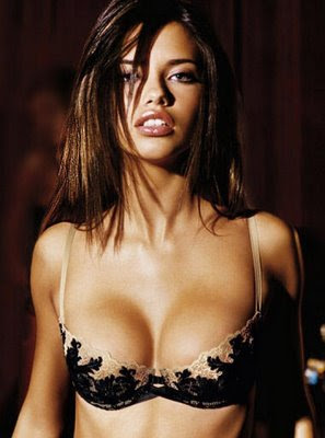 adriana lima Hot Actress Bikini Picture