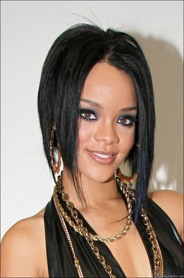 Rihanna Sexy Singer Hair Style Pictures