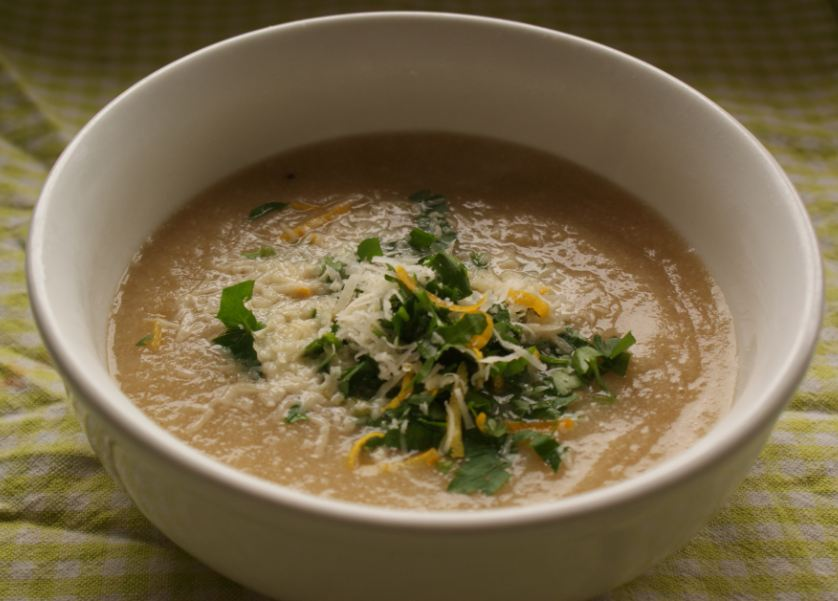 Easy Spring Cauliflower Soup