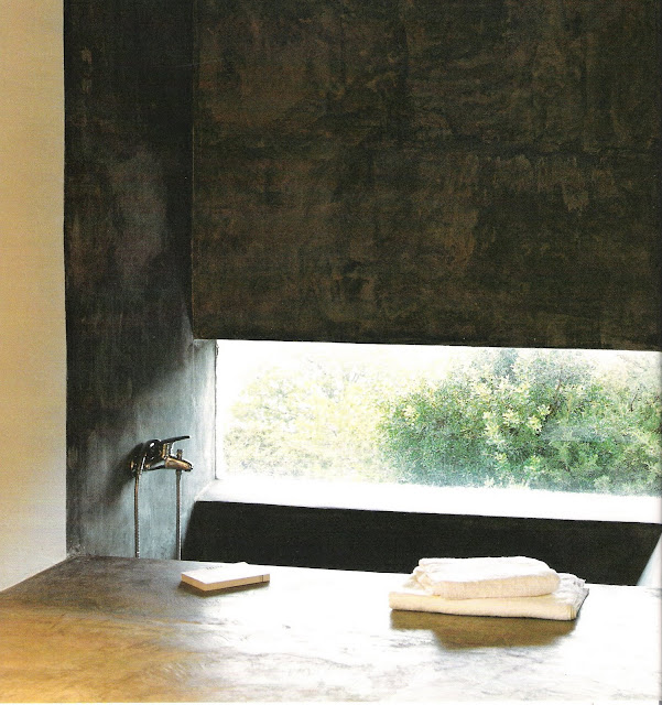 Concrete bath with view, Marie Claire Maison Juil-Aout 2005 as seen on linenandlavender.net