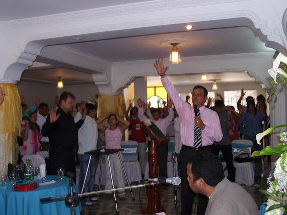 Y EL DOMINGO LLEGÓ! QUE GLORIOSO SERVICIO DE ALABANZA Y ADORACION PARA NUESTRO REY DE REYES!