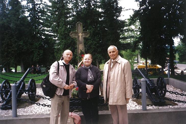 La Mormântul  lui AVRAM IANCU