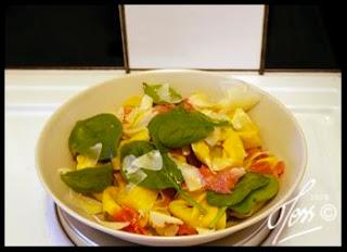 färsk tortelini, proscutto, spenat, parmesan