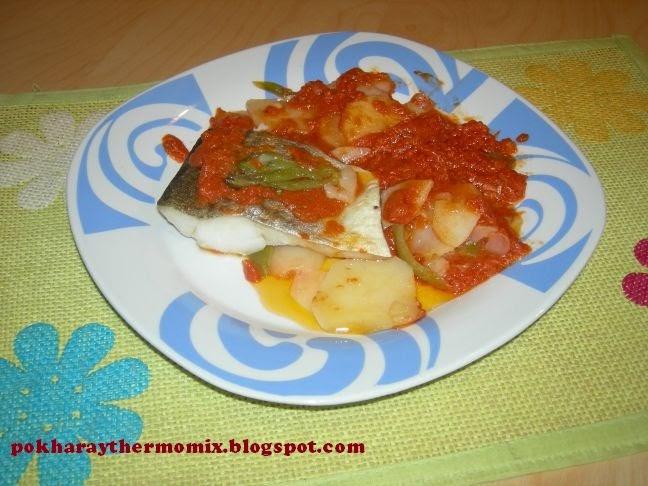 F cil con thermomix bacalao con tomate y patatas panadera for Como cocinar lomos de bacalao