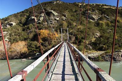 Crossing Horseshoe Bend Bridge, photo Dr Barrie J Wills