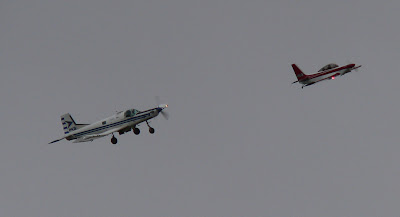 Cresco ZK-PKB and Sirocco ZK-FNQ descending into the downwind at