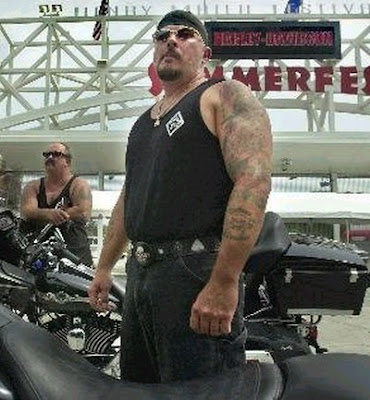 Sons of Satan MC http://outlawbikergangs.blogspot.com/2010/04/outlaws-mc-biker-gang.html