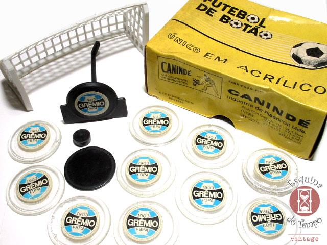 As caixinhas típicas dos botões Canindé. ea95934a7bc1d