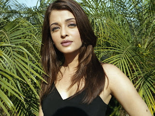 Most Sexy and Beautiful Bollywood actress and former Miss World Aishwarya Rai