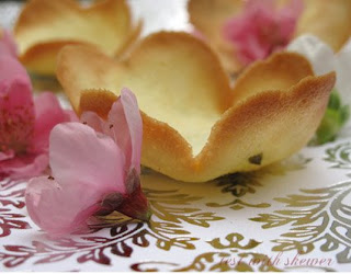 pistachio tuille flowers