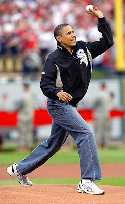 [obama_throws_ceremonial_pitch_at_mlb_all_star_game.jpg]
